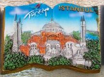 Magnete del ricordo di Costantinopoli con l'immagine della moschea Immagini Stock Libere da Diritti
