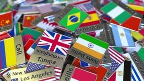 Magnete o distintivo del ricordo con il testo e la bandiera nazionale di Recife fra quei differenti Viaggiando all'introduzione c stock footage
