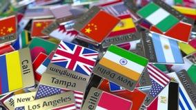 Magnete o distintivo del ricordo con il testo e la bandiera nazionale di Tientsin fra quei differenti Viaggiando all'introduzione video d archivio