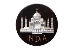 Magneten för kylskåpet för gränsmärket för den Taj Mahal Temple världen isolerade den berömda från Indien på vit Arkivbilder