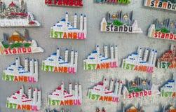 Magneti del ricordo di Costantinopoli con le immagini della moschea Immagini Stock Libere da Diritti
