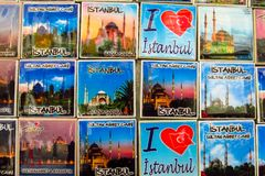 Magneti del ricordo di Costantinopoli con le immagini della moschea Fotografia Stock