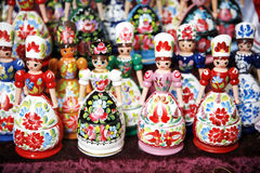 Magneti russi variopinti del frigorifero di matreshka delle bambole del giocattolo Immagini Stock Libere da Diritti