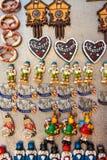 Magneti turistici del ricordo da vendere a Norimberga, Germania Fotografia Stock Libera da Diritti