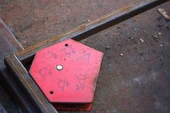 Magnetwinkelhalter Werkzeug für das Schweißen Stockfotos