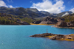 Magnificent azure lake Royalty Free Stock Photography