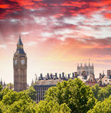 Magnificent sunset view of Houses of Parliament - London Royalty Free Stock Photos