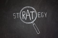 Magnifier en 'Strategie' woord Royalty-vrije Stock Fotografie