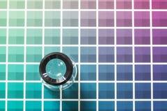 Magnifier na kolor mapie Obrazy Stock