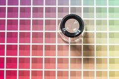 Magnifier na kolor mapie Fotografia Royalty Free