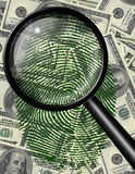 Magnifiez la devise des USA en verre et d'empreinte digitale Photo libre de droits
