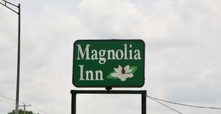 Magnolia Inn. Located conveniently along Highway 51 in Millington, TN. Plantation Oaks is only 20 minutes from Memphis, TN and is a true example of Southern Stock Images