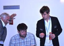 Magnus Carlsen e sua equipe Fotografia de Stock Royalty Free