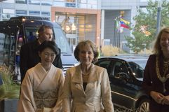 Magriet公主和秋筱宫At The World公主论坛小室Haag 对世界会议的仪式关于对抗TB的2018年 库存图片