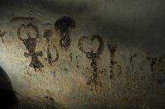 Magura grotta i Bulgarien Förhistoriska målningar vaggar på Royaltyfri Fotografi