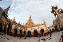 Maha Muni Pagoda στην πόλη του Mandalay, το Μιανμάρ Στοκ Εικόνα