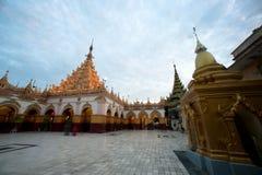 Maha Muni Pagoda dans la ville de Mandalay, Myanmar Photo libre de droits