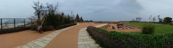 Mahabalipuram Panroama de temple de bord de la mer images libres de droits