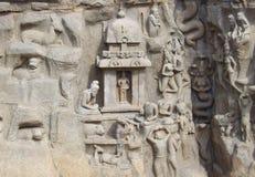 Mahabalipuram, Tamil Nadu, India - 14 giugno 2009 bassorilievo di pietra antico della storia della discesa del fiume sacro Gange  Fotografie Stock
