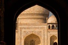 mahal taj 从曲拱的看法 阿格拉印度 库存图片