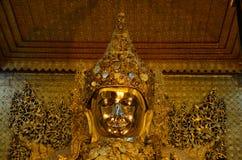 Mahamuni Buddha wizerunek w Mahamuni Buddha świątyni Obraz Stock