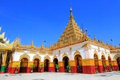Mahamuni Buddhatempel, Mandalay, Myanmar arkivbild