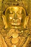 Mahamuni, grande statue d'or de Bouddha Photos stock