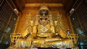 Mahamuni hermoso Buda en Rangún Imagenes de archivo