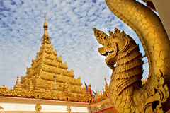 Mahamuni tempel Arkivbilder