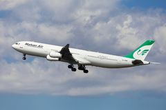 Mahan Air Airbus A340-300 photo libre de droits