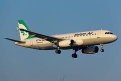 Mahan Air flygbuss A320 Arkivbilder