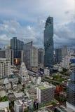 Mahanakhon torn och skyskrapor i Sathorn, Bangkok, Thailand Royaltyfri Foto