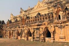 Mahar Aung Mye Bon San Monastery Royaltyfria Bilder