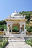Maharadscha Sawai Mansingh II, Museum Jahrhunderts mitten in Mann Sager See aufgebaut Stockfoto