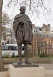 Mahatma Gandhi brązu statua lokalizować w parlamentu kwadracie, Londyn obraz royalty free