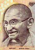 Mahatma Gandhi en nota del dinero en circulación fotos de archivo