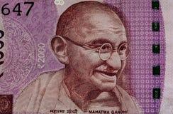 Mahatma Gandhi sulle 2000 note della rupia fotografia stock