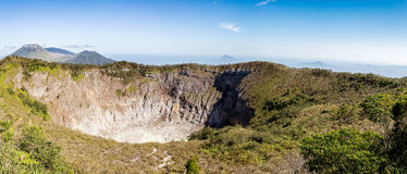 Mahawu火山,苏拉威西岛,印度尼西亚破火山口  库存图片