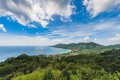 Mahe Island Landscape seychelles Djungel och Indiska oceanen i bakgrund royaltyfria bilder