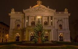 Mahen teater i Brno på natten för jul, främre sikt Royaltyfria Bilder