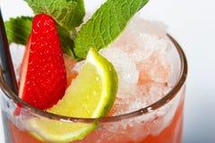 Mahito新鲜的柠檬和草莓 库存照片