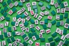 Mahjongtegels op Groene achtergrond Royalty-vrije Stock Afbeelding