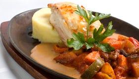Mahlzeit des Huhns und des Gemüses stockbilder