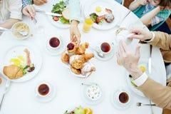 Mahlzeiten haben lizenzfreies stockbild