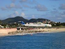 Maho Beach Airport en Sint Maarten fotografía de archivo