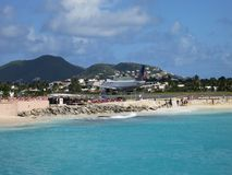 Maho Beach en Baan in Sint Maarten Royalty-vrije Stock Foto's