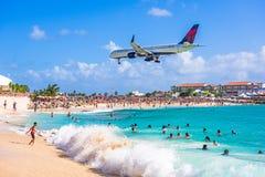 Maho Beach en Sint Maarten Photos libres de droits