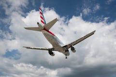Maho Wyrzucać na brzeg, Sint Maarten - 20th Październik 2016: Niski latanie plan Zdjęcie Royalty Free