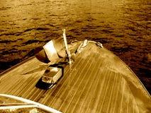 Mahogny för Riva framdel för fartyg för trärunaboutfartyg lyxig royaltyfri bild