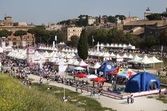 17 mai 2015 Course pour le traitement, Rome l'Italie Course contre le cancer du sein Photographie stock